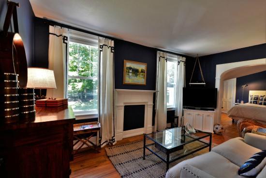 Skaneateles, estado de Nueva York: View into Stag Horn sitting room