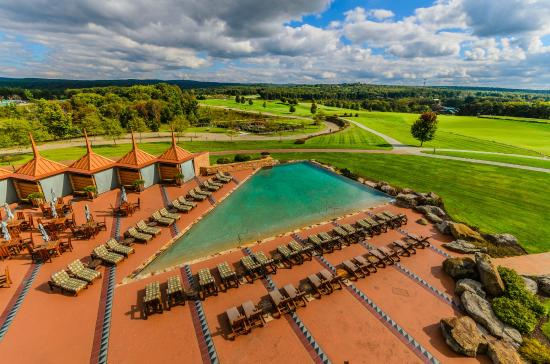 Nemacolin's Falling Rock boutique hotel features gorgeous views and exclusive Infinity Pool.
