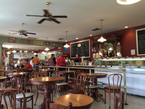 The Apple Barn Cider Mill And General Store: Bakary & Creamery