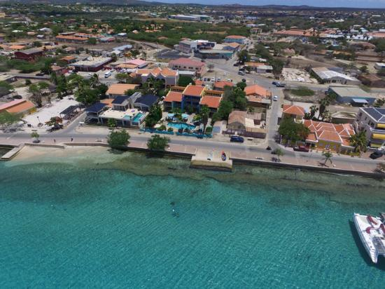 Bonaire Oceanfront Apartments: Picture from above