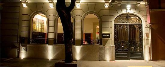 BoBo Hotel: Fachada