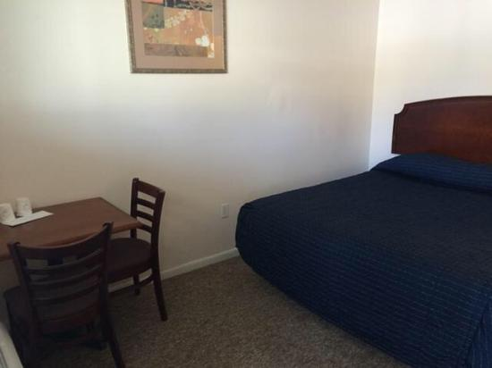 Country Place Inn & Suites