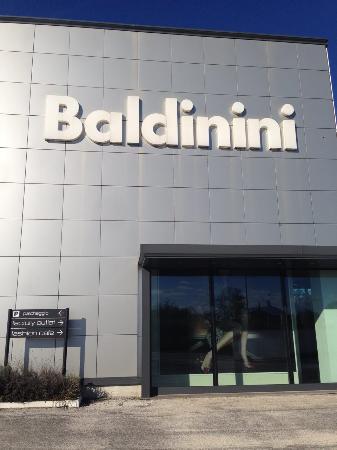 Baldinini Factory Outlet (San Mauro Pascoli) - Aktuelle 2019 ...