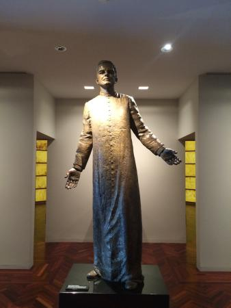 Knights of Columbus Museum: Statue of Father Michael McGivney