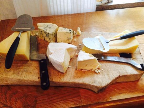 Escânia (condado), Suécia: Et stort minus at man skal tage direkte på osten med de bare hænder for at skære skiver
