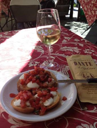 Bar Dante: bruschetta e vino