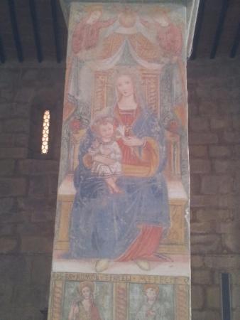 Montemignaio, Italia: Colonna affrescata