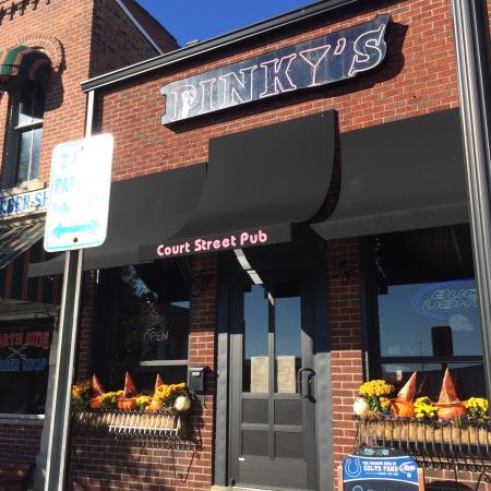 Pinky's Court Street Pub