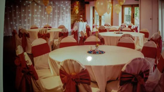 The White Horse: Lovely  venue for an intimate wedding