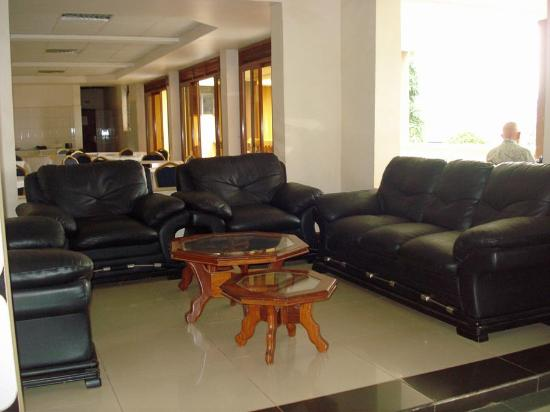 Kayegi Hotel: Comfortable sitting area