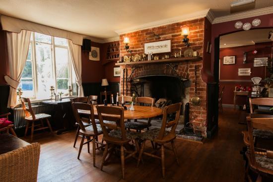 East Worldham, UK: Inside the bar