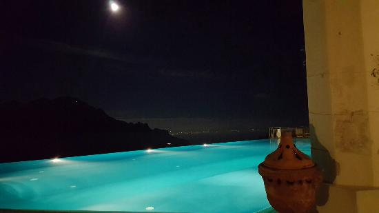 Belmond Hotel Caruso: Pool at Night