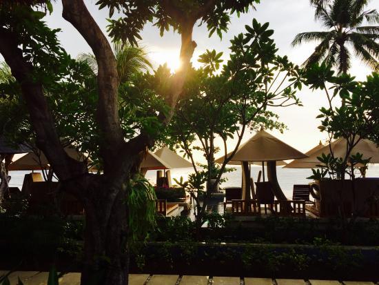 Qunci Villas Hotel: Blick aus Zimmer 56: Nach Regen kommt Sonne