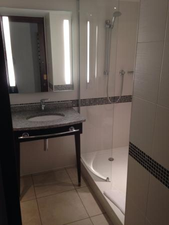 Clyst Honiton, UK: Bathroom
