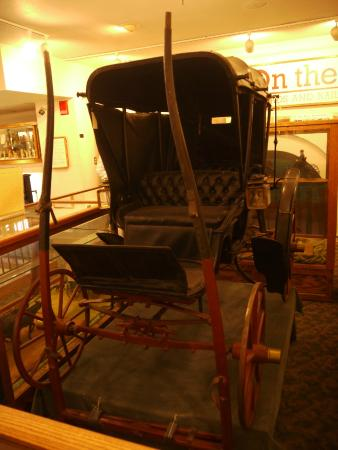 Adams Museum: Carriage minus the horse!