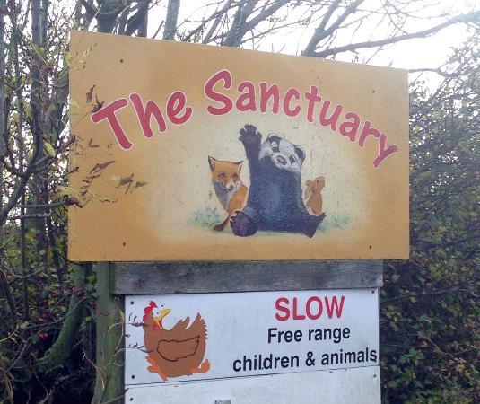 The Sancuary Wildlife Care Centre: Signage.