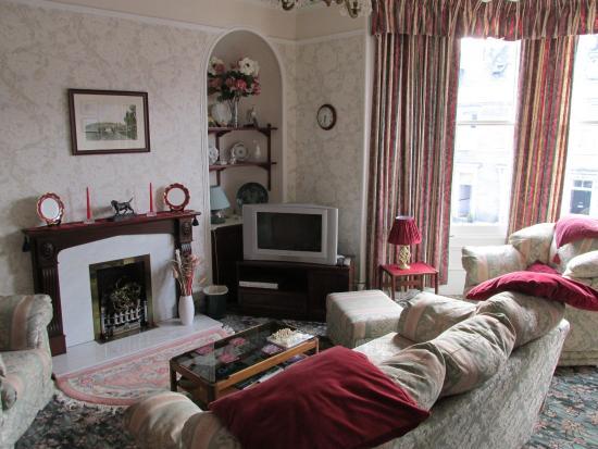 Ardconnel House B&B: lounge room