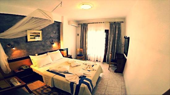 Hotel Karaoulanis Beach