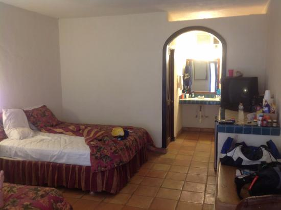 La Marina Inn: basic but beds & sheets were good