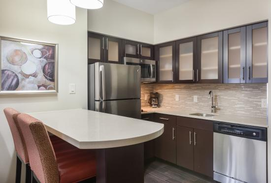 Full Size Fully Equipped Kitchen 1 2 Bedroom Suites Picture Of Staybridge Suites Houston I