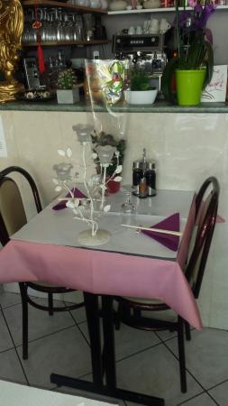 Akynata domont restaurantbeoordelingen tripadvisor for Hotel domont