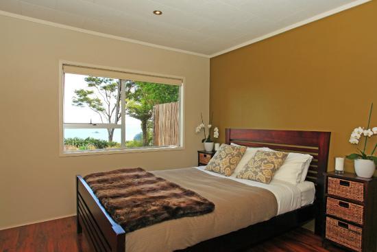 Koi Roc Waiheke Island Accommodation: the Pad Bedroom with sea views