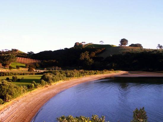 Koi Roc Waiheke Island Accommodation: Whakanewha Regional Park