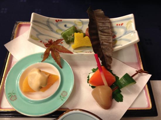 Shikishimakan : 秋の装いの八寸