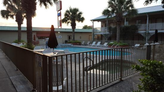 Piscina Picture of Family Garden Inn Laredo TripAdvisor