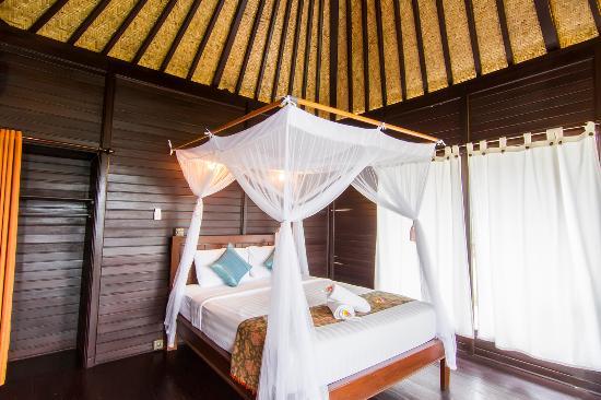 Poh Manis Lembongan: wooden stylist bungalow