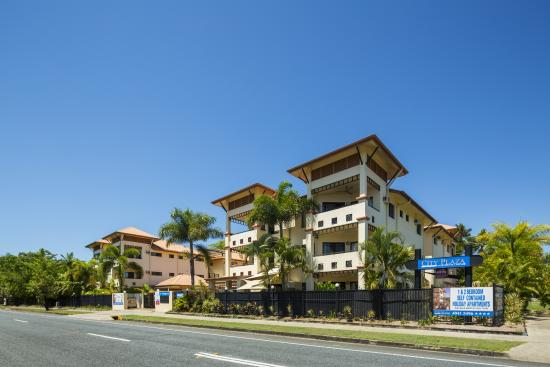 City Plaza Apartments Cairns: Front View