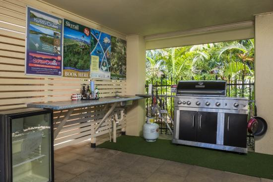 City Plaza Apartments Cairns: BBQ Area