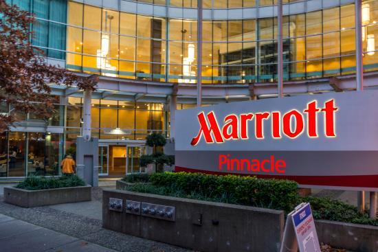 File:Vancouver Marriott Pinnacle Hotel & Renaissance Hotel.jpg ...