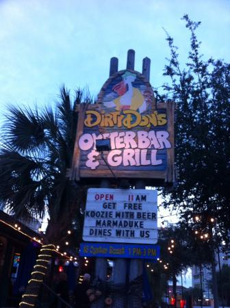 ‪Dirty Don's Oyster Bar & Grill‬
