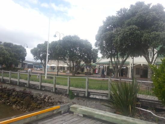 Town Basin: Shops & restaurants