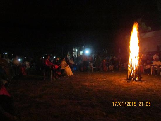 Thrisangu Haven Resort: The bonefire party