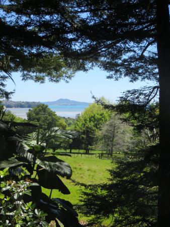Ayrlies Garden: views to the water