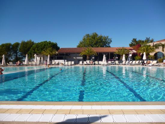 Piscine principale chauff e photo de club med opio for Club de piscine