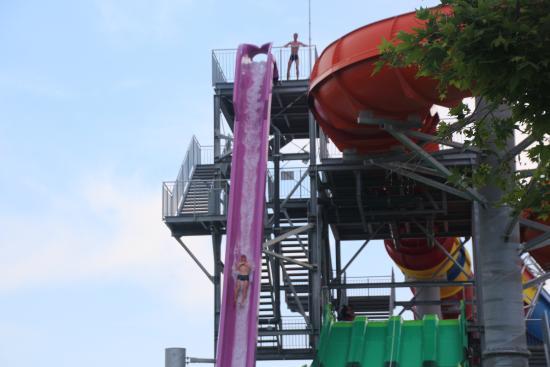 Aquapark Aquamania: Water hills