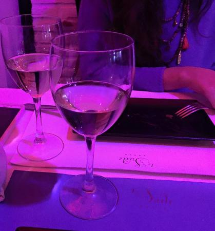 La Suite Lounge & Bar: Buena cena y buen vino
