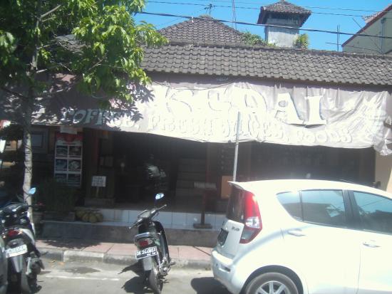 Cafe Kedai: Front entrance
