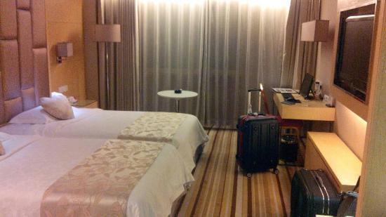 Days Hotel Hotspring Fuzhou : 房間一