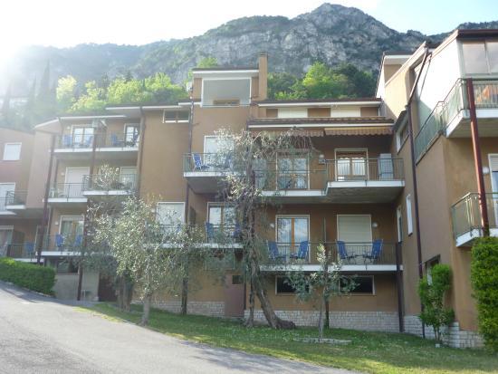 Residence Hotel Maxi: Camere Hotel vista esterna