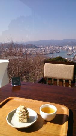 Cafe Panorama: もなかと景色