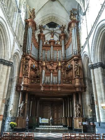 Saint-Omer Cathedral: indrukwekkend orgel