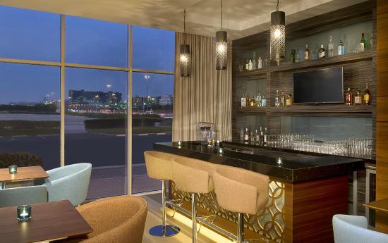 Hilton garden inn dubai al mina updated 2017 hotel for Classic furniture uae