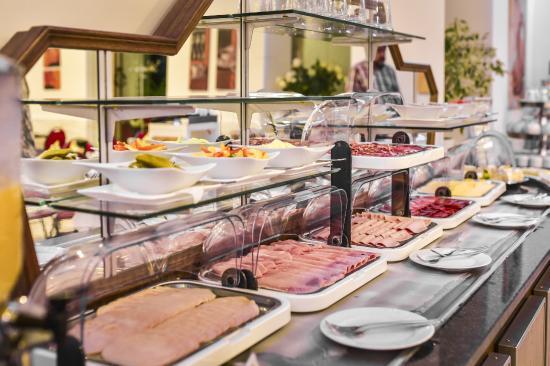 Hotel restaurant barbarossahof 3 5 for Design hotel zollamt