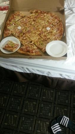 Giant Manhattan Pizza