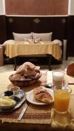 Hotel Souiri: 20151104_083600_large.jpg