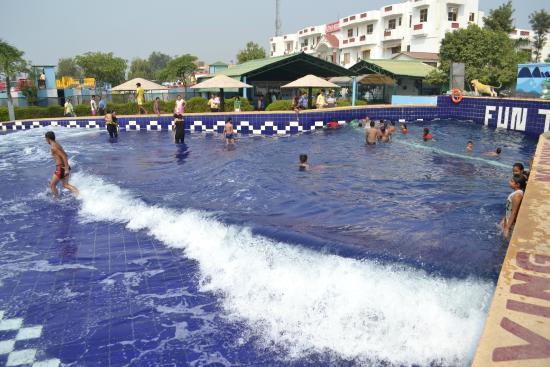 The club platinum resort bahadurgarh haryana for Speciality hotels